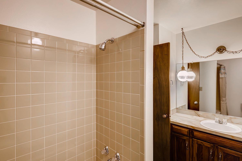 NEW LISTING: 1737 Harvard St Longmont CO Full Bath