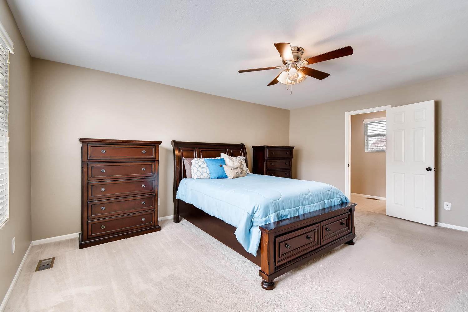 REAL ESTATE LISTING: 10595 Forester Pl Longmont CO Master Bedroom