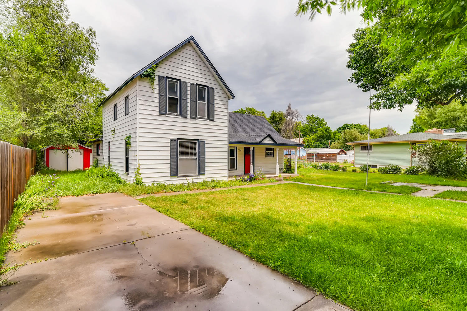 REAL ESTATE LISTING: 1201 E 1st Street Loveland CO Front Exterior