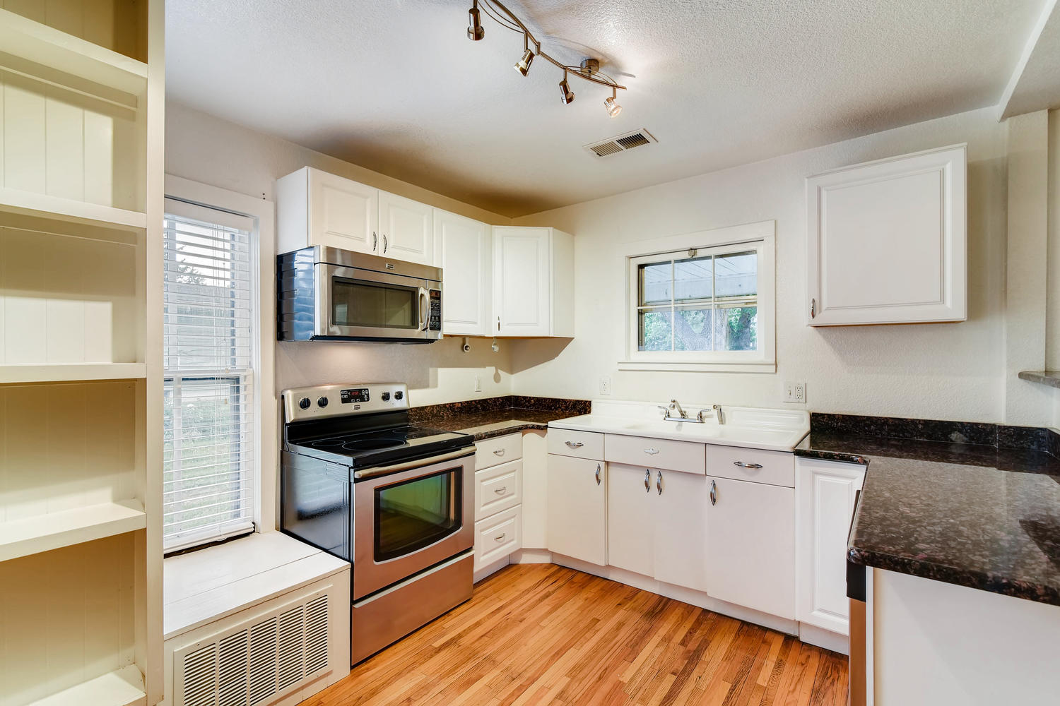 REAL ESTATE LISTING: 1201 E 1st Street Loveland CO Kitchen