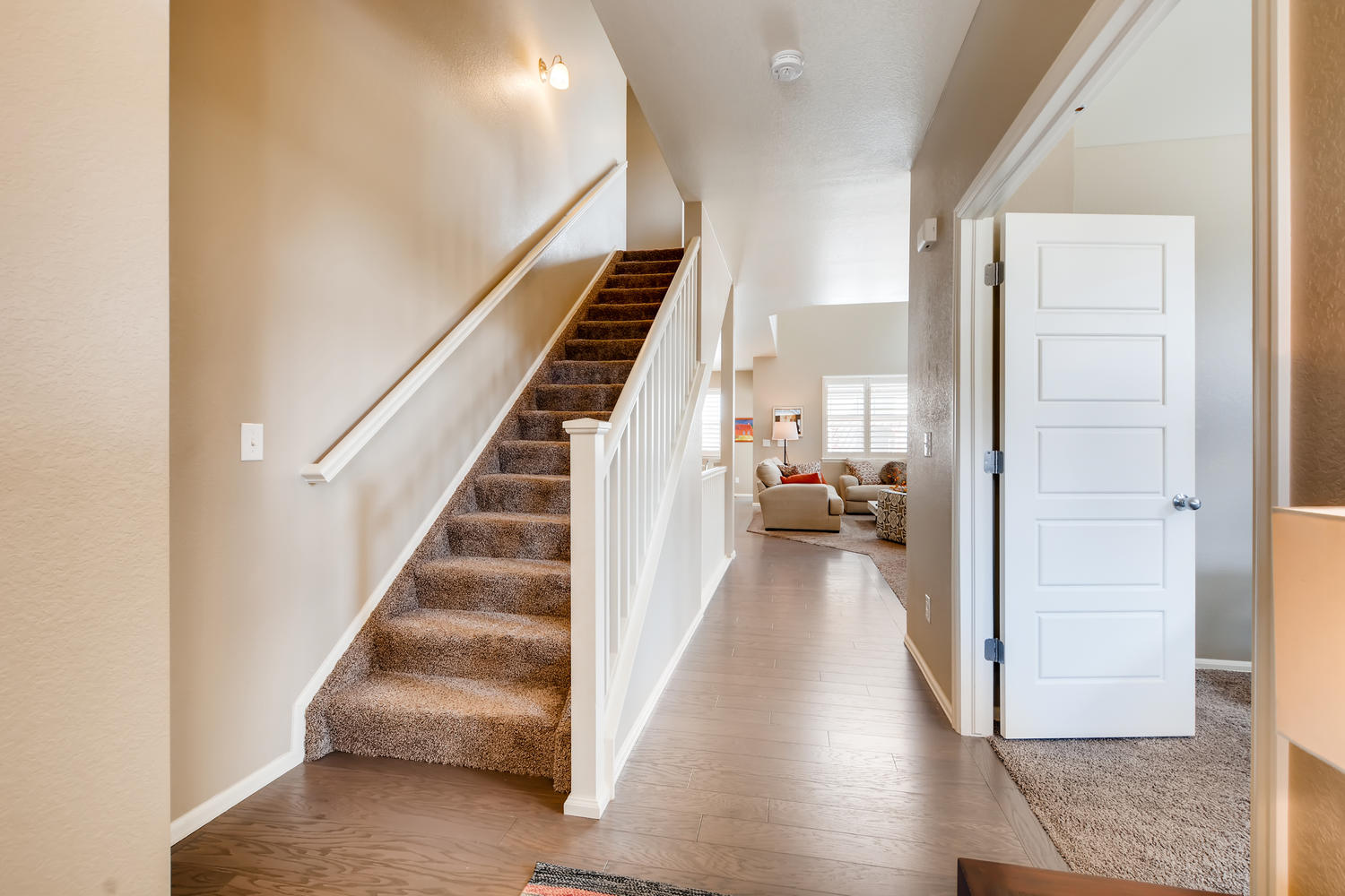 REAL ESTATE LISTING: 2182 Steppe Dr Longmont Foyer