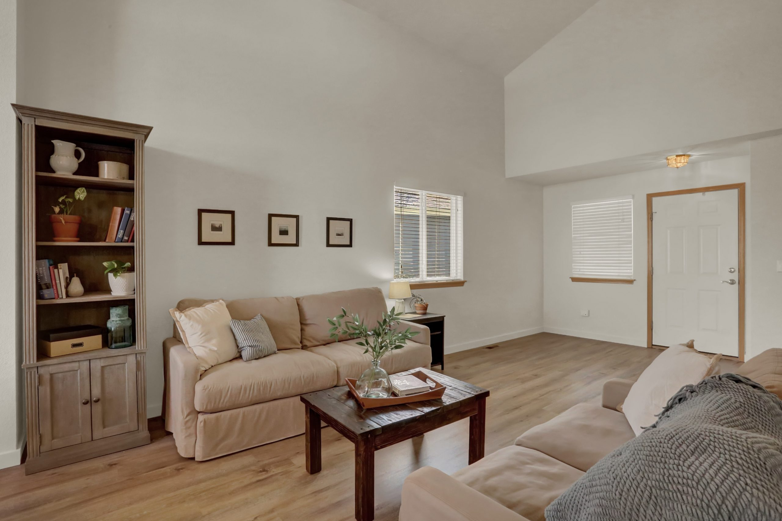 REAL ESTATE LISTING: 10502 Falcon St Firestone Living Room