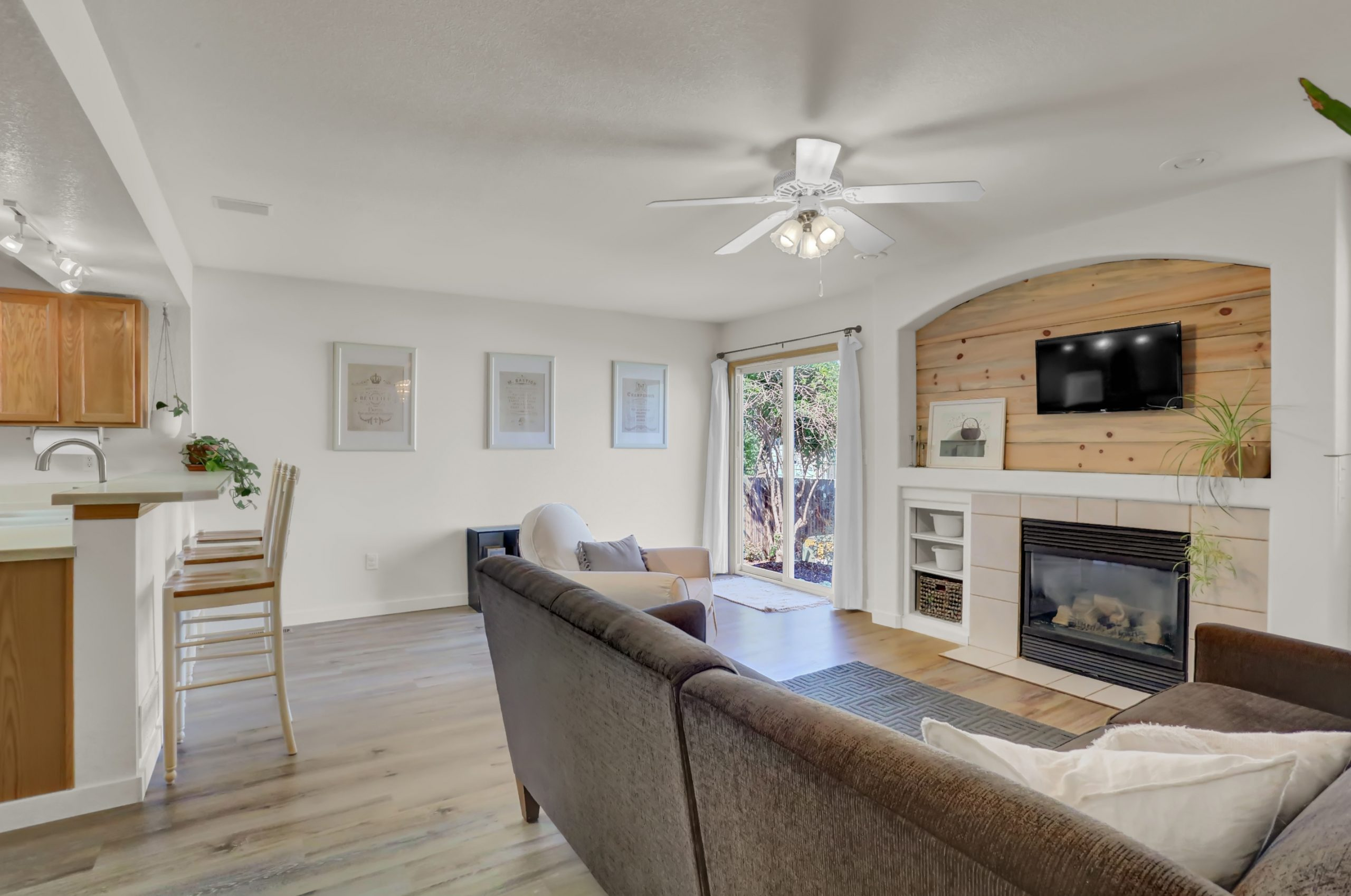 REAL ESTATE LISTING: 10502 Falcon St Firestone Family Room