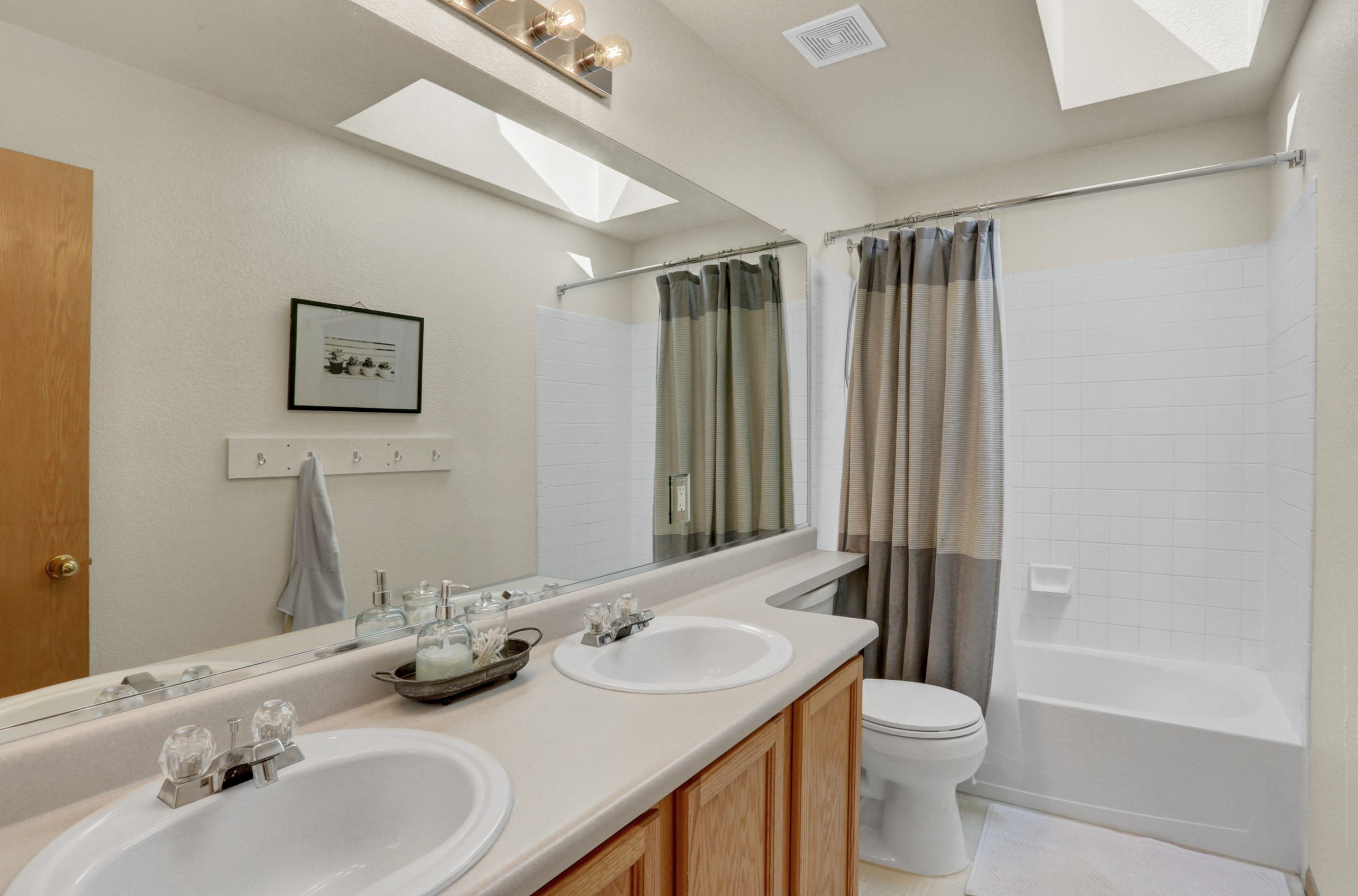 REAL ESTATE LISTING: 10502 Falcon St Firestone Shared Bath