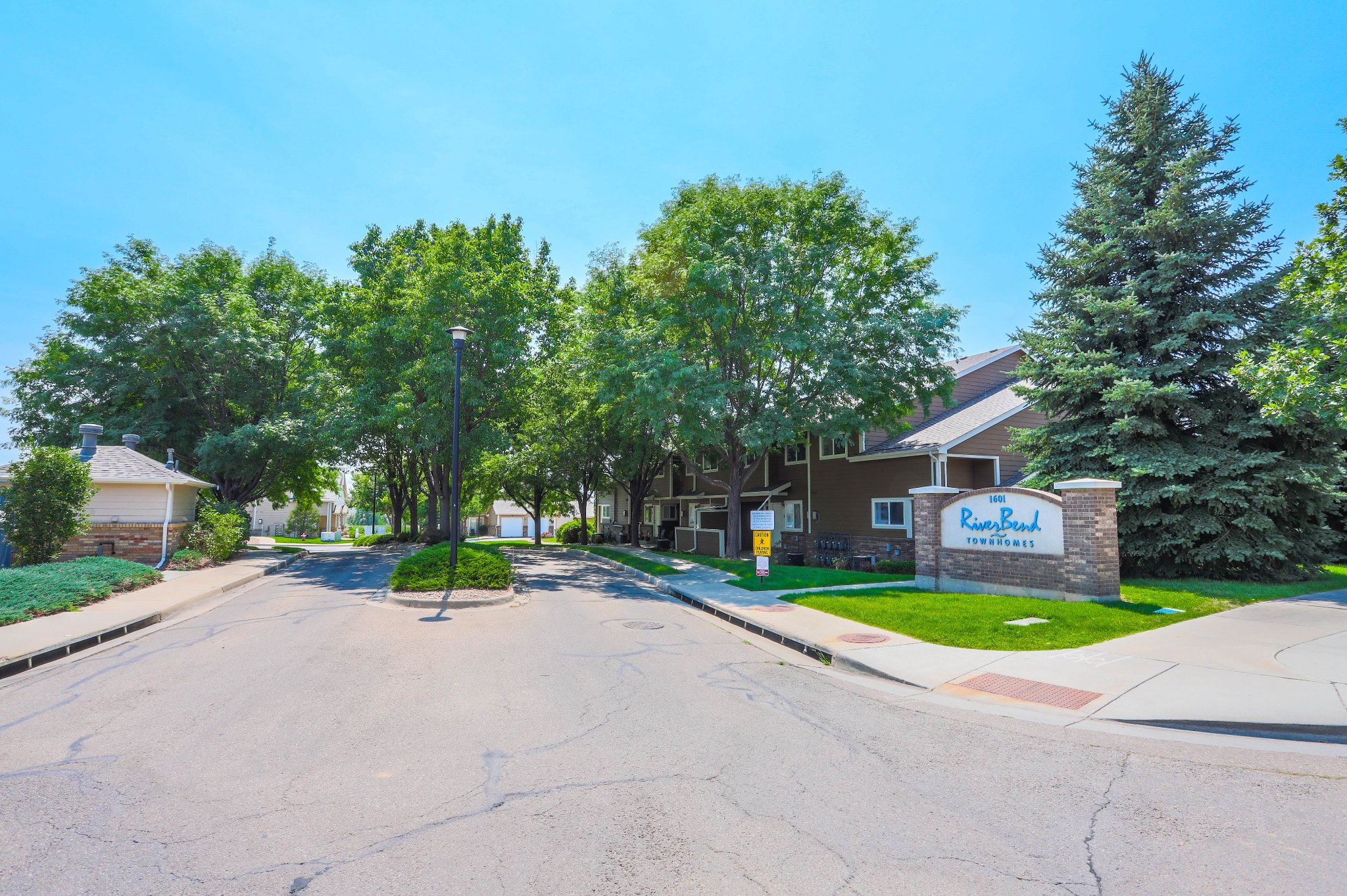 REAL ESTATE LISTING: 1601 Great Western Dr Longmont Riverbend Community