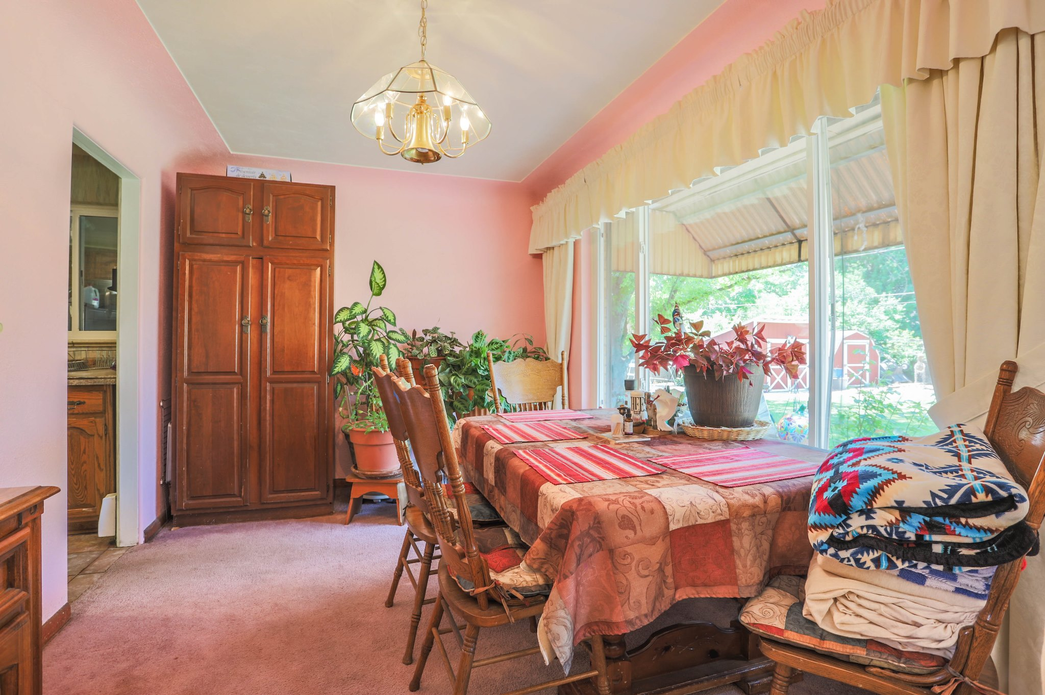REAL ESTATE LISTING: 75 Zephyr St Lakewood Dining Room