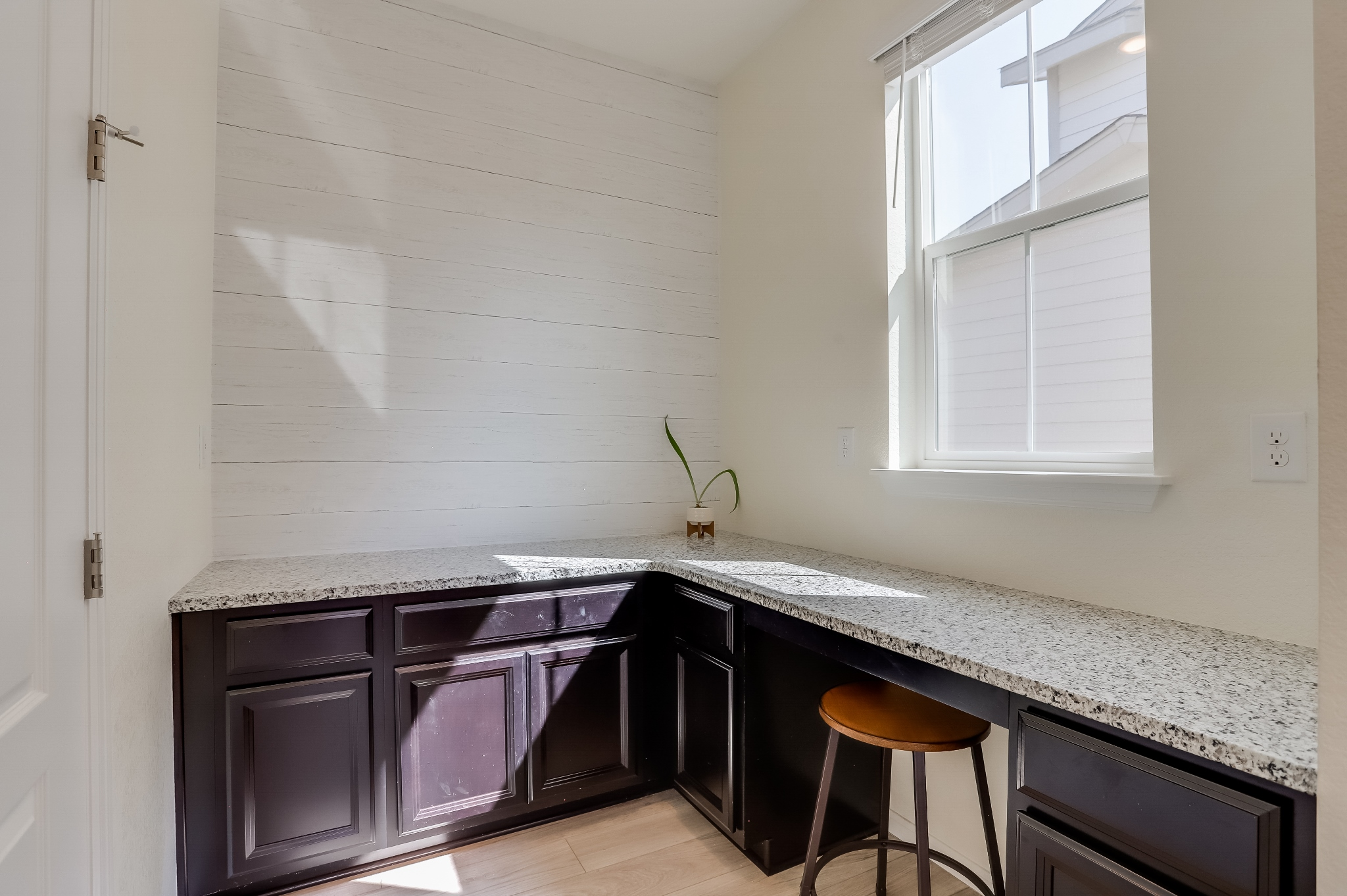 REAL ESTATE LISTING: 12813 Clearview St Firestone Computer Work Station
