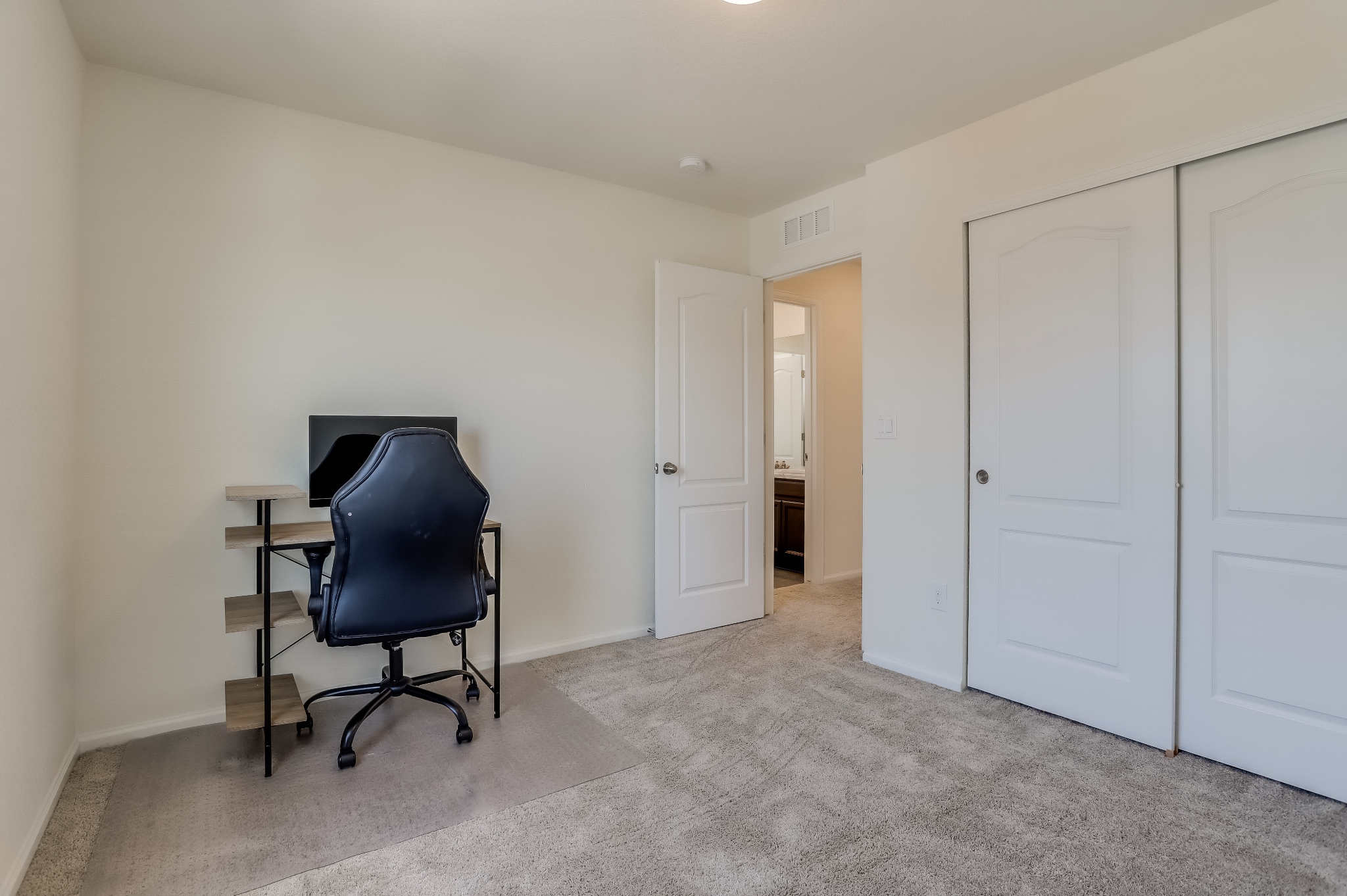 REAL ESTATE LISTING: 12813 Clearview St Firestone Bedroom #3